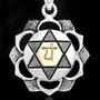 Символ чакры АННАХАТА - Любовь и Объединение. Кулон из серебра с золотом, 2,8 на 3,1 см